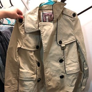 Juicy trench